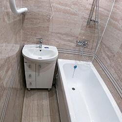 Ремонт ванной 150x135 ПВХ панелями